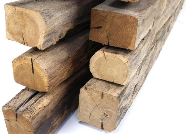 Vollholzsparren in unterschiedlichen Maßen mit original alter Oberfläche aus dem Altholzladen von Knapp Historische Baustoffe