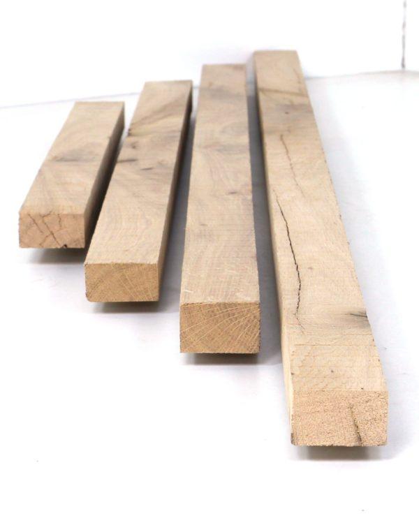 Wir sägen Latten und Leisten aus antiken Eichenbalken, damit auch im Detail die Verwendung von Altholz möglich ist.