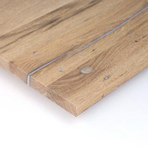 Naturbelassene gespachtelte Tischplatte aus Eichenholz aus dem Altholzladen von Knapp Historische Baustoffe